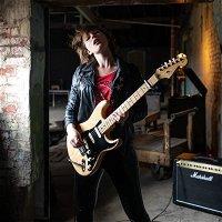 Jax Hollow - Singer / Songwriter / Guitarist