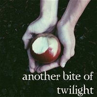 #56- Reading Twilight & New Moon Book Outtakes!